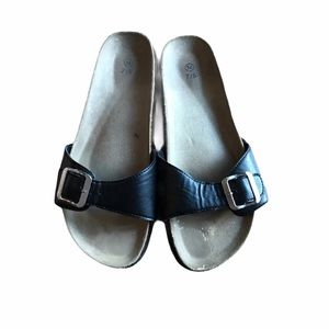 Single Strap Black and Brown Sandals w/ Buckles